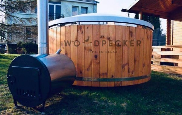 woodpecker PRIME hot tub
